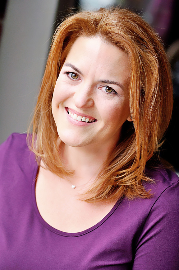 Carrie Ryan headshot